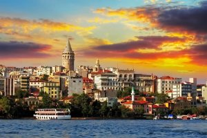 Istanbul Bosphorous Cruise and Dolmabahçe Palace Tour Full Day